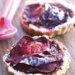 Tarte fine aux prunes et à l'amande