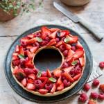 Tarte à trou aux fraises & framboises, compote fraise rhubarbe vanille pour la fête des meres