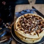Tarte gaufre chantilly au gianduja et noisettes du Piemont torréfiées
