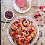 Brioche aux pralines  aux desserts pommes-framboises Charles & Alice